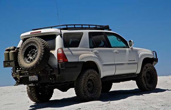 12 Best Bug Out SHTF Vehicles – Jeeps, Trucks, Vans, and More!