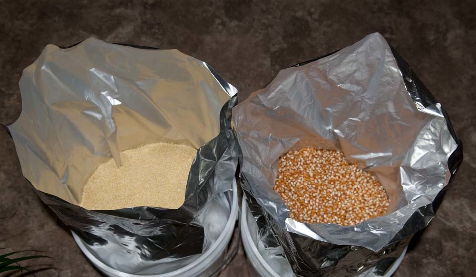 Food storage is a staple for many preppers but it requires more than filling up a plastic bin with dry foods like beans or rice you need something more ... & Best Mylar Bags For Food Storage - From Desk Jockey To Survival Junkie